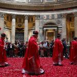 PENTECOST ROSE PETALS PANTHEON (CNS photo/Paul Haring)