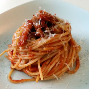 sugo-alla-amatriciana-spaghetti